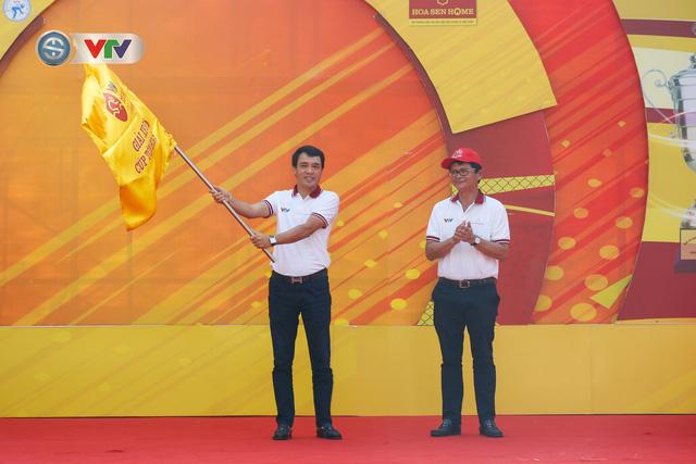 ẢNH: Những khoảnh khắc ấn tượng chặng 1 giải xe đạp VTV Cúp Tôn Hoa Sen 2020 - Ảnh 1.