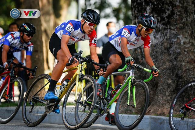ẢNH: Những khoảnh khắc ấn tượng chặng 1 giải xe đạp VTV Cúp Tôn Hoa Sen 2020 - Ảnh 9.