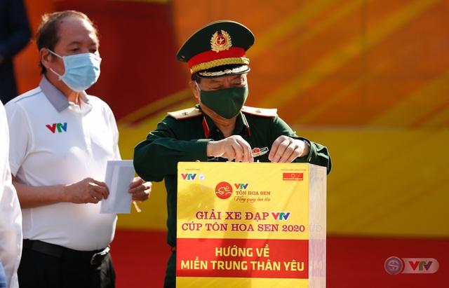 Giải xe đạp VTV Cúp Tôn Hoa Sen 2020 chung tay Hướng về miền Trung thân yêu - Ảnh 4.