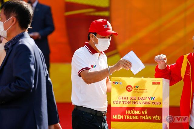 Giải xe đạp VTV Cúp Tôn Hoa Sen 2020 chung tay Hướng về miền Trung thân yêu - Ảnh 3.