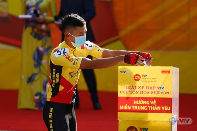 Giải xe đạp VTV Cúp Tôn Hoa Sen 2020 chung tay Hướng về miền Trung thân yêu - Ảnh 10.
