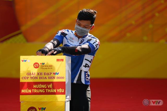 Giải xe đạp VTV Cúp Tôn Hoa Sen 2020 chung tay Hướng về miền Trung thân yêu - Ảnh 11.