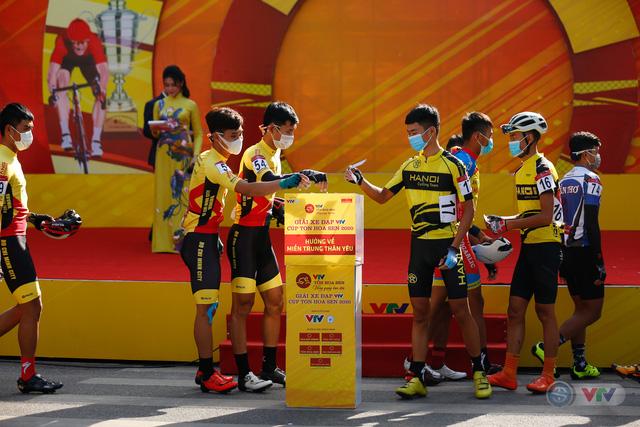 Giải xe đạp VTV Cúp Tôn Hoa Sen 2020 chung tay Hướng về miền Trung thân yêu - Ảnh 9.