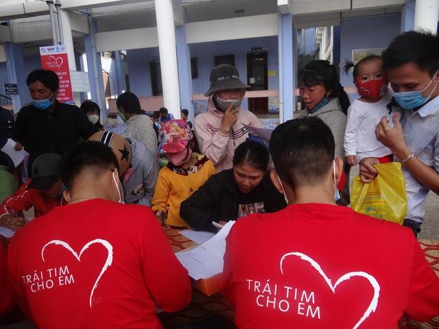 Trái tim cho em tổ chức khám tầm soát tim bẩm sinh tại tỉnh Yên Bái - Ảnh 2.