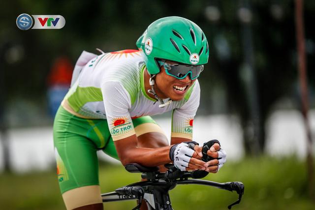 ẢNH: Những khoảnh khắc ấn tượng chặng 2 Giải xe đạp VTV Cúp Tôn Hoa Sen 2020 - Ảnh 11.