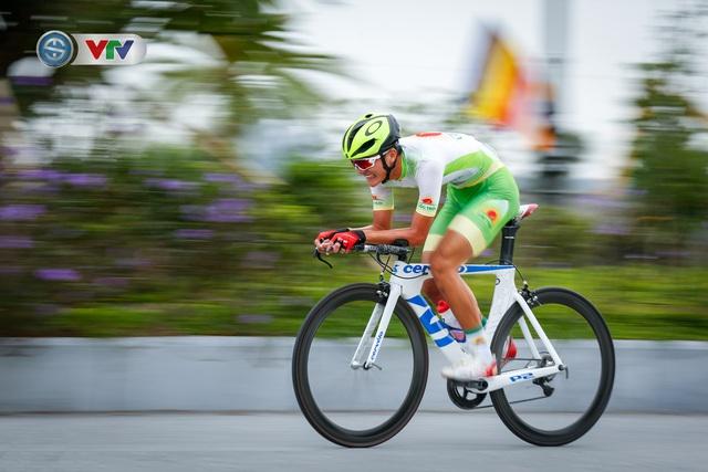 ẢNH: Những khoảnh khắc ấn tượng chặng 2 Giải xe đạp VTV Cúp Tôn Hoa Sen 2020 - Ảnh 9.