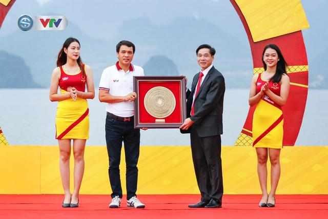 ẢNH: Những khoảnh khắc ấn tượng chặng 2 Giải xe đạp VTV Cúp Tôn Hoa Sen 2020 - Ảnh 4.