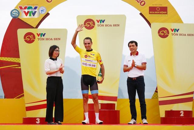 ẢNH: Những khoảnh khắc ấn tượng chặng 2 Giải xe đạp VTV Cúp Tôn Hoa Sen 2020 - Ảnh 19.