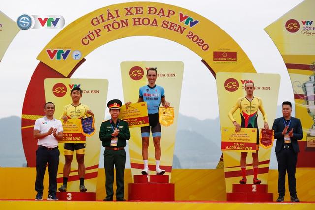 ẢNH: Những khoảnh khắc ấn tượng chặng 2 Giải xe đạp VTV Cúp Tôn Hoa Sen 2020 - Ảnh 17.