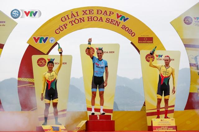 ẢNH: Những khoảnh khắc ấn tượng chặng 2 Giải xe đạp VTV Cúp Tôn Hoa Sen 2020 - Ảnh 16.