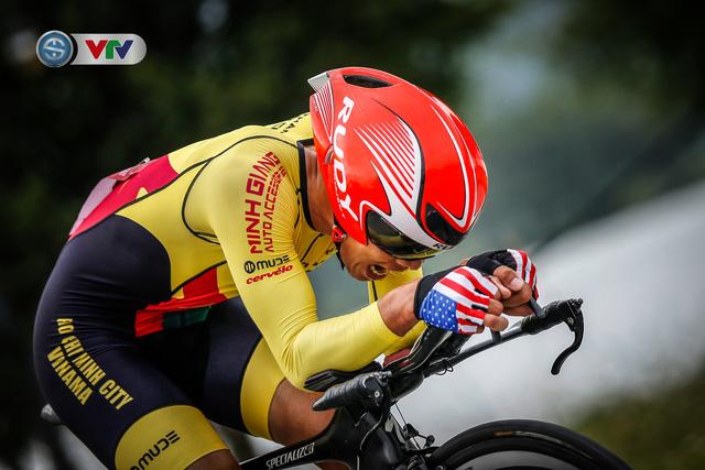ẢNH: Những khoảnh khắc ấn tượng chặng 2 Giải xe đạp VTV Cúp Tôn Hoa Sen 2020 - Ảnh 14.