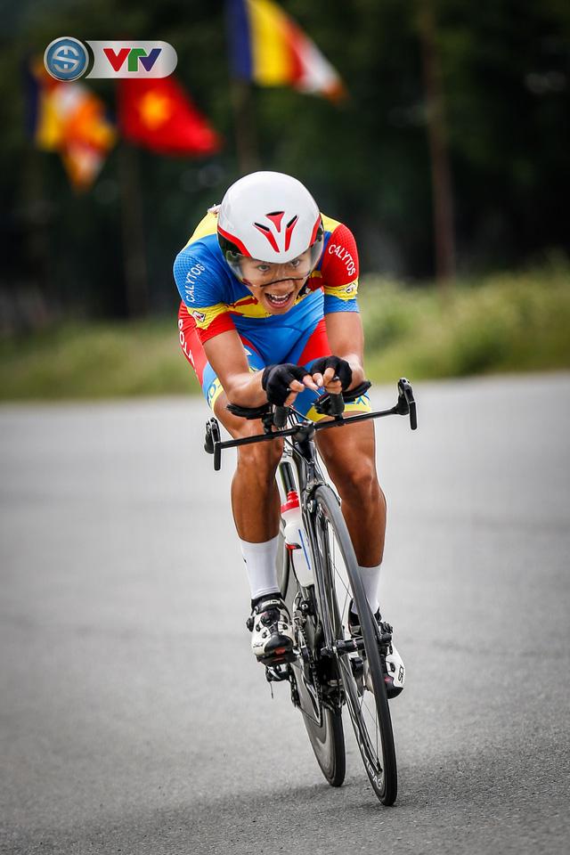 ẢNH: Những khoảnh khắc ấn tượng chặng 2 Giải xe đạp VTV Cúp Tôn Hoa Sen 2020 - Ảnh 13.