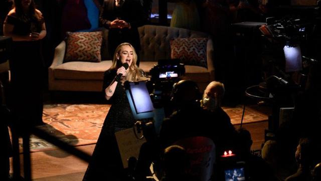 Adele lần đầu xuất hiện trên truyền hình hậu giảm cân - Ảnh 6.