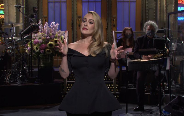 Adele lần đầu xuất hiện trên truyền hình hậu giảm cân - Ảnh 4.