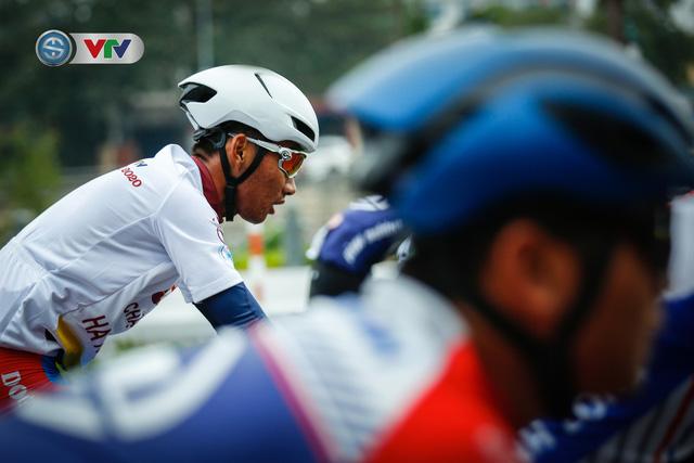 ẢNH: Những khoảnh khắc ấn tượng chặng 3 Giải xe đạp VTV Cúp Tôn Hoa Sen 2020 - Ảnh 3.