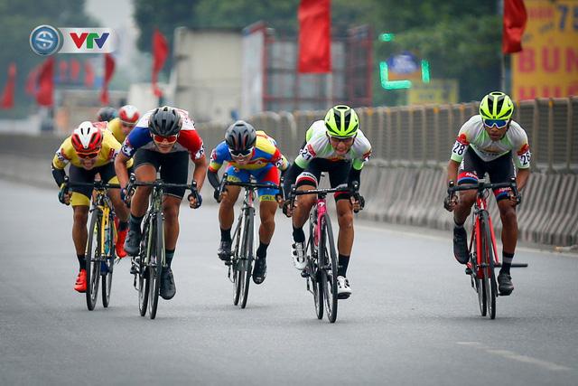 ẢNH: Những khoảnh khắc ấn tượng chặng 3 Giải xe đạp VTV Cúp Tôn Hoa Sen 2020 - Ảnh 5.