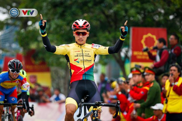 ẢNH: Những khoảnh khắc ấn tượng chặng 3 Giải xe đạp VTV Cúp Tôn Hoa Sen 2020 - Ảnh 7.