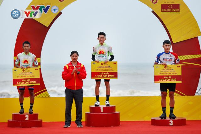 ẢNH: Những khoảnh khắc ấn tượng chặng 3 Giải xe đạp VTV Cúp Tôn Hoa Sen 2020 - Ảnh 11.