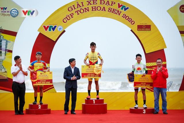 ẢNH: Những khoảnh khắc ấn tượng chặng 3 Giải xe đạp VTV Cúp Tôn Hoa Sen 2020 - Ảnh 13.