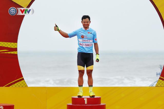 ẢNH: Những khoảnh khắc ấn tượng chặng 3 Giải xe đạp VTV Cúp Tôn Hoa Sen 2020 - Ảnh 15.