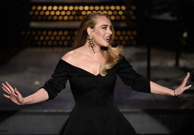 Adele lần đầu xuất hiện trên truyền hình hậu giảm cân - Ảnh 5.
