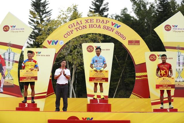 ẢNH: Những khoảnh khắc ấn tượng chặng 4 Giải xe đạp VTV Cúp Tôn Hoa Sen 2020 - Ảnh 10.