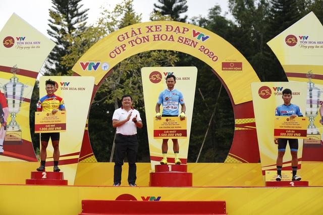 ẢNH: Những khoảnh khắc ấn tượng chặng 4 Giải xe đạp VTV Cúp Tôn Hoa Sen 2020 - Ảnh 11.