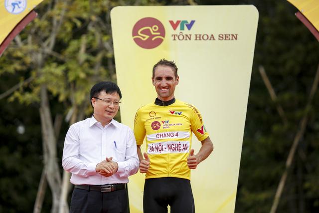 ẢNH: Những khoảnh khắc ấn tượng chặng 4 Giải xe đạp VTV Cúp Tôn Hoa Sen 2020 - Ảnh 14.