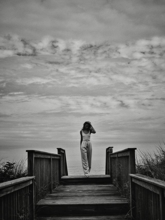 Candice Swanepoel ngọt ngào và mướt mát - Ảnh 4.