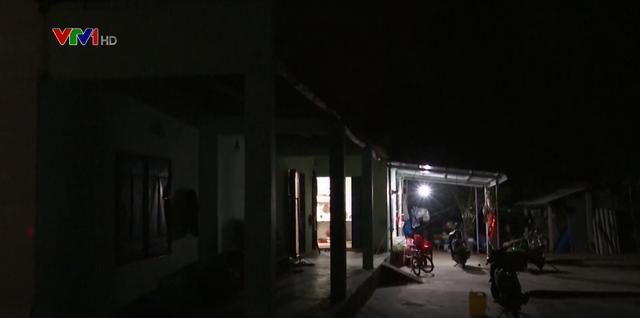 Quảng Nam khẩn trương di dời dân trong đêm - Ảnh 1.