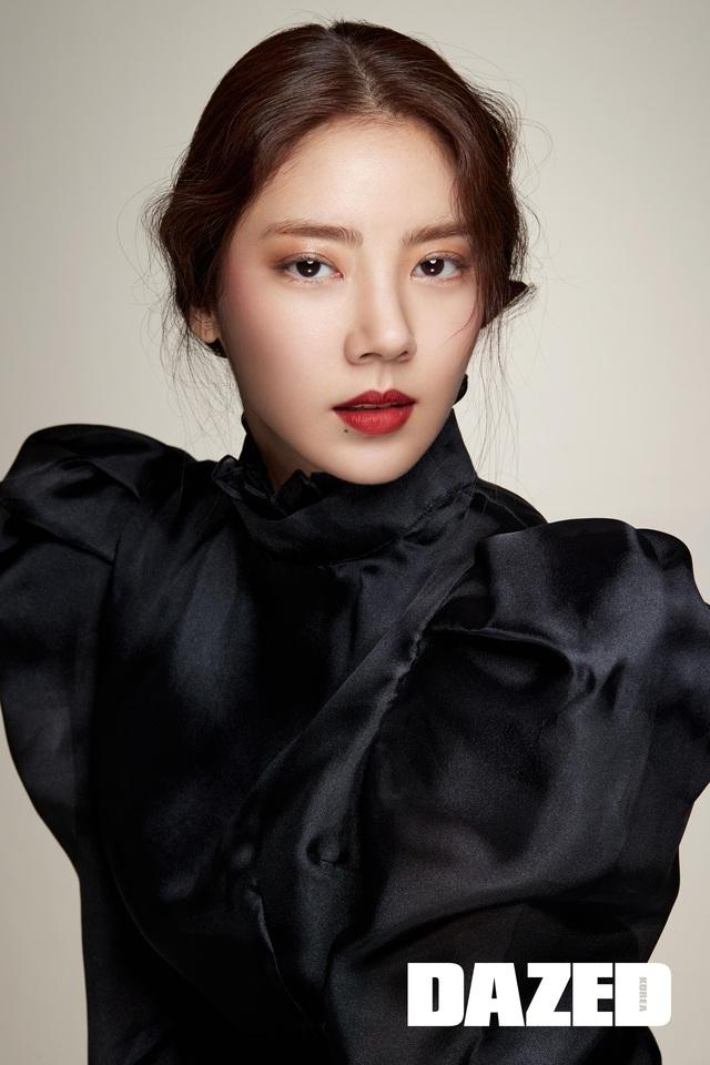 Son Dam Bi tự nhận yêu kiều hơn ở độ tuổi 37 - Ảnh 4.