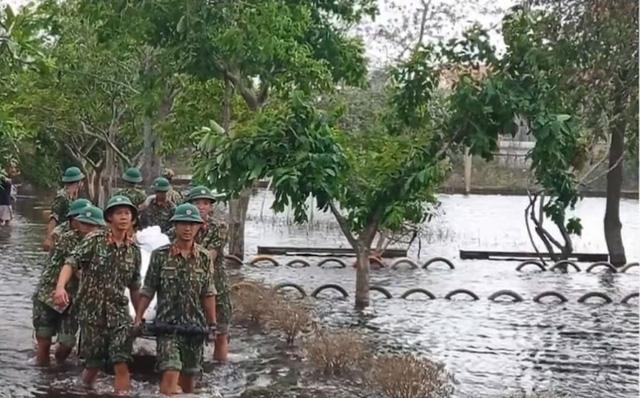Thừa Thiên - Huế: Công tác ứng phó bão số 9 tương đối hoàn tất - Ảnh 1.