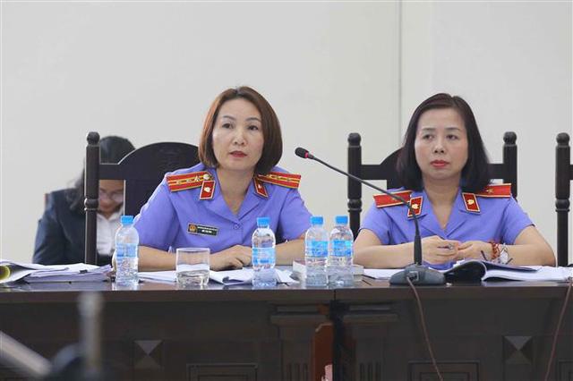 Xét xử vụ án tại Ngân hàng BIDV: Các bị cáo khai chịu áp lực từ ông Trần Bắc Hà - Ảnh 2.