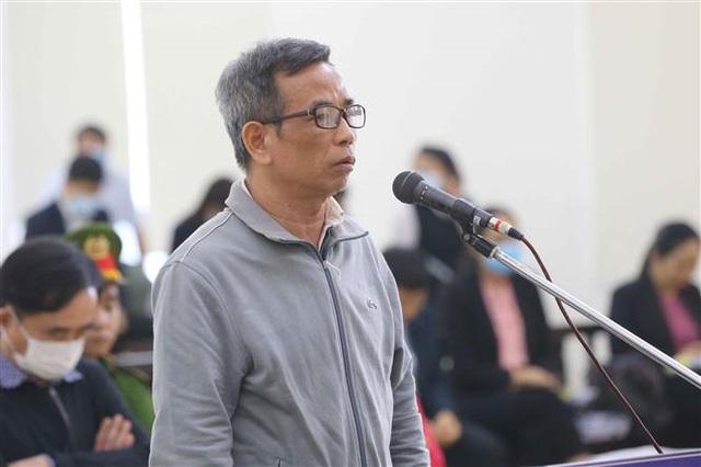 Xét xử vụ án tại Ngân hàng BIDV: Các bị cáo khai chịu áp lực từ ông Trần Bắc Hà - Ảnh 1.