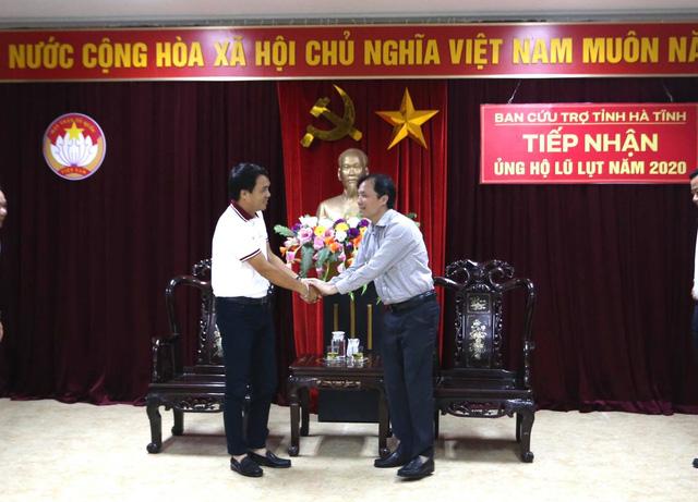 BTC Giải xe đạp VTV Cúp Tôn Hoa Sen 2020 trao ủng hộ cho tỉnh Hà Tĩnh - Ảnh 2.