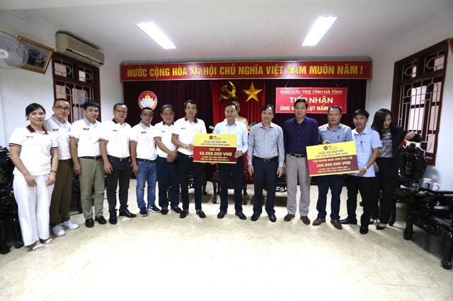 BTC Giải xe đạp VTV Cúp Tôn Hoa Sen 2020 trao ủng hộ cho tỉnh Hà Tĩnh - Ảnh 3.