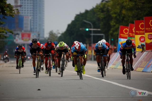 Chặng 8 Giải xe đạp VTV Cúp Tôn Hoa Sen 2020: Đua vòng quanh đường Nguyễn Tất Thành, TP Quy Nhơn (8h00 ngày 1/11 trực tiếp trên VTV6, ứng dụng VTV Sports) - Ảnh 1.