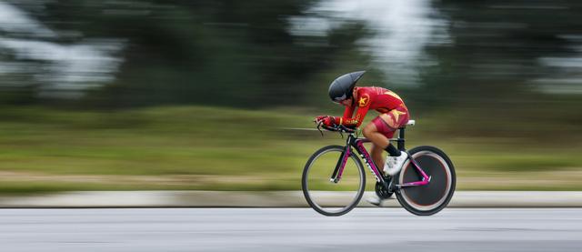 ẢNH: Những khoảnh khắc ấn tượng chặng 5 Giải xe đạp VTV Cúp Tôn Hoa Sen 2020 - Ảnh 11.