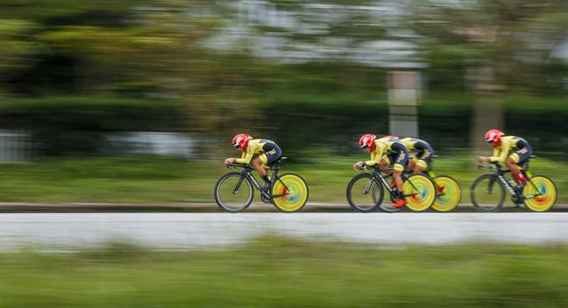 ẢNH: Những khoảnh khắc ấn tượng chặng 5 Giải xe đạp VTV Cúp Tôn Hoa Sen 2020 - Ảnh 12.