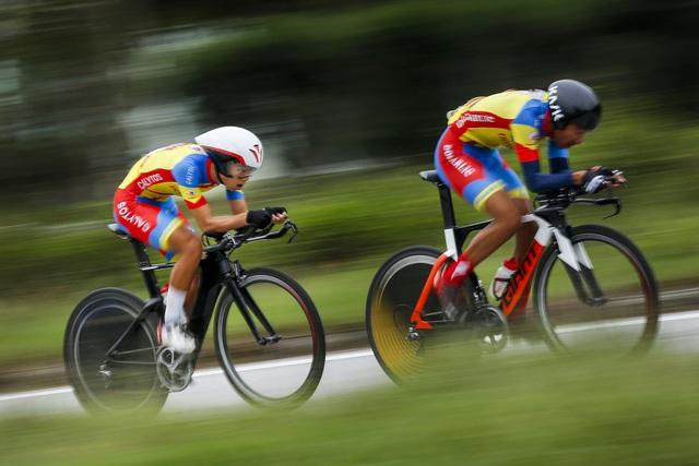 ẢNH: Những khoảnh khắc ấn tượng chặng 5 Giải xe đạp VTV Cúp Tôn Hoa Sen 2020 - Ảnh 9.