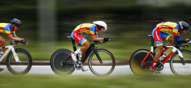 ẢNH: Những khoảnh khắc ấn tượng chặng 5 Giải xe đạp VTV Cúp Tôn Hoa Sen 2020 - Ảnh 8.