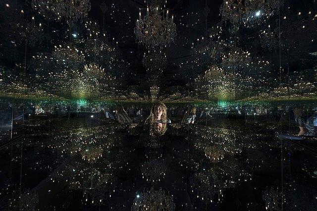 """Vẻ đẹp siêu thực - """"Phòng vô cực"""" ảo giác tại London, Anh - Ảnh 1."""