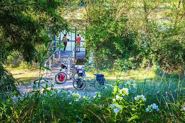 Ra mắt 420km đường đạp xe tựa như tranh vẽ tại Pháp - Ảnh 1.