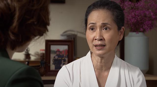 Lửa ấm - Tập 20: Bà Mai nhờ Ngọc làm xét nghiệm ADN cho bố con Minh - Ảnh 1.
