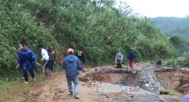 Quảng Trị ngập lụt trở lại, có nơi nước cao hơn 1 mét - Ảnh 2.