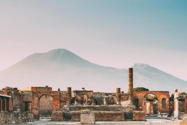 Câu chuyện kỳ bí xung quanh đồ vật bị ám ở tàn tích Pompeii, Italy - Ảnh 1.