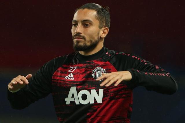 Tân binh Alex Telles của Manchester United nhiễm COVID-19 - Ảnh 1.