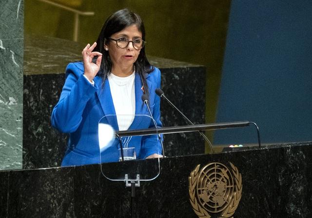 Venezuela nhận lô vaccine Sputnik V đầu tiên từ Nga - Ảnh 1.