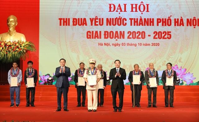 Thủ tướng đề nghị Hà Nội thi đua tăng trưởng cao hơn cả nước - Ảnh 2.