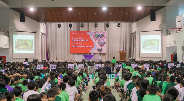 Trường Song ngữ Liên cấp Greenfield (KĐT Ecopark) đồng hành cùng Quỹ Tấm lòng Việt ủng hộ miền Trung - Ảnh 1.